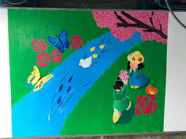 写真:春の壁画