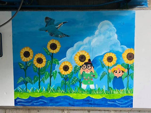 写真:夏の壁画