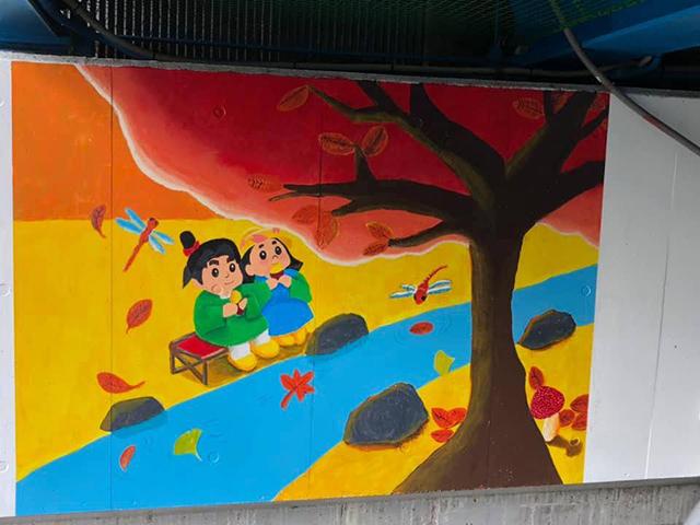 写真:秋の壁画